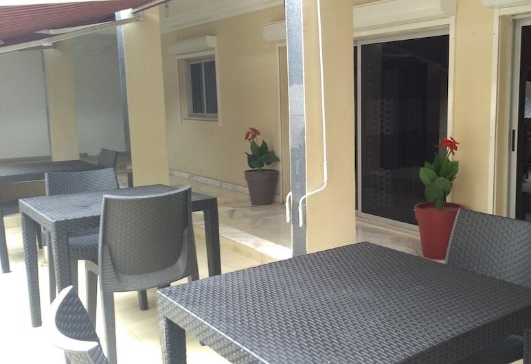 Azur Residence Angre Soleil 3, Abidjan, Terrace/Patio