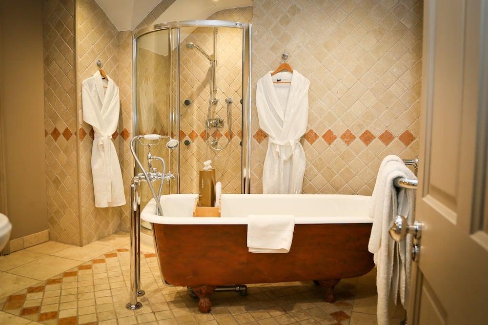 Kahden hengen huone, Makuuhuoneen yhteydessä oleva kylpyhuone - Kylpyhuone