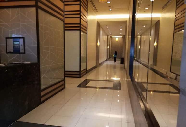 先鋒林地公寓飯店, 曼達盧永, 走廊
