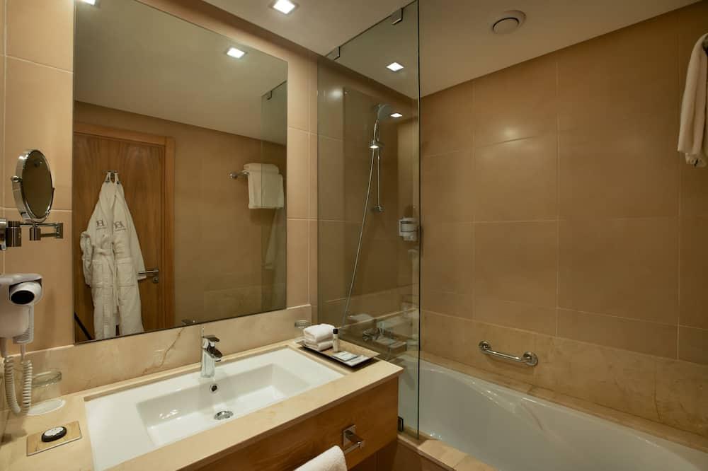Junior-sviitti - Kylpyhuone