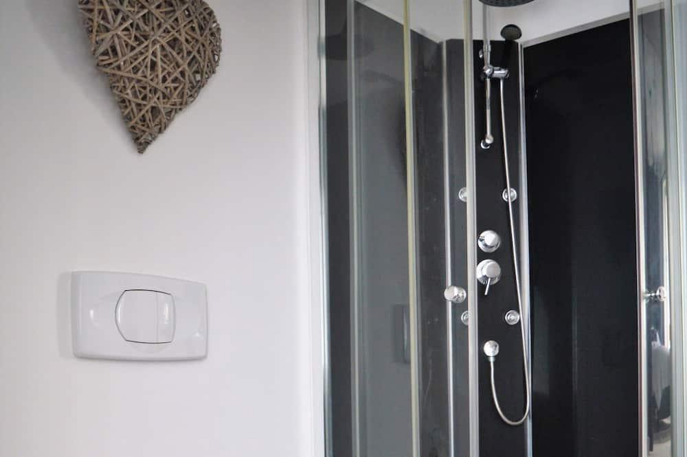 Design Double Room, 1 King Bed, Ensuite, Garden View - Bathroom