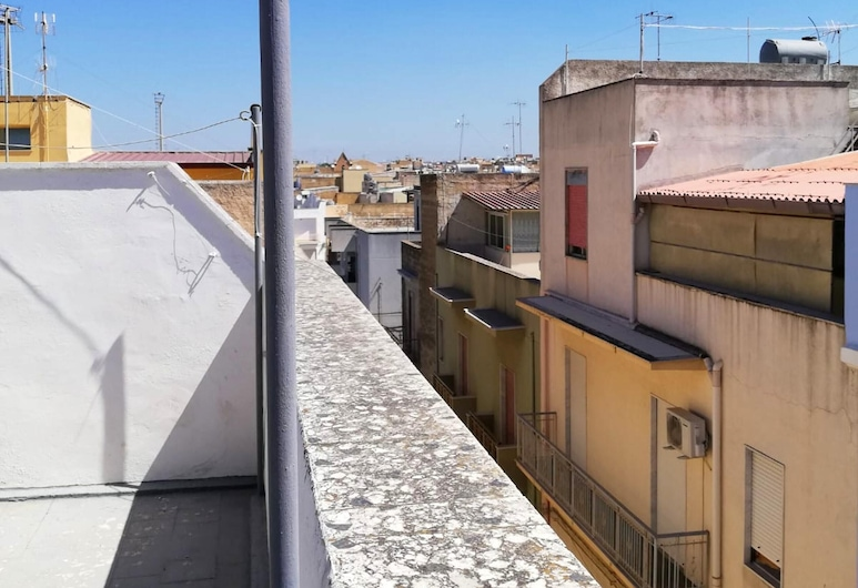 Apartment With 2 Bedrooms in Mazara del Vallo, With Wonderful City View, Furnished Terrace and Wifi - 3 km From the Beach, Mazara del Vallo, Balcony