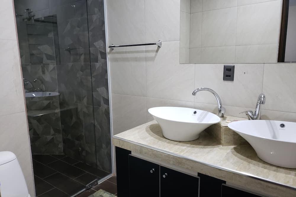 Luksus-lejlighed - 2 soveværelser - Badeværelse