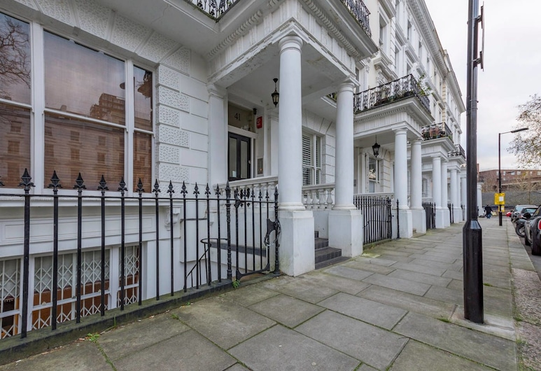 Beautiful 2 bed in Heart of West London, Londres