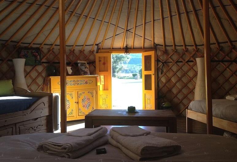Le Bois Faé, La Bastide, Tent, Shared Bathroom (Yourte Jaune), Guest Room