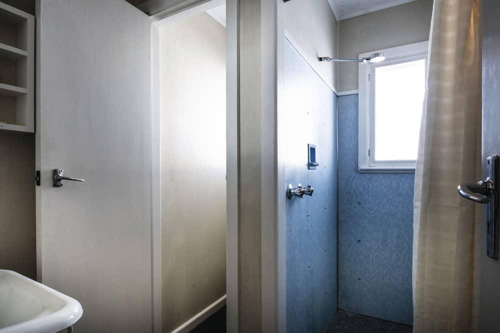 3 Bedroom Chalet - Bathroom Shower