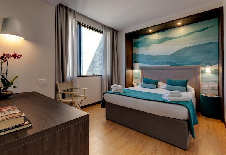 Fly Decò Hotel, Rom, Superior-værelse med dobbeltseng eller 2 enkeltsenge, Spisning på værelset