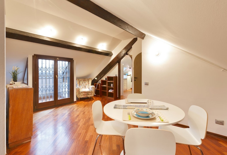 올리비아스 네스트 인 다운타운, 밀라노, 디럭스 아파트, 침실 2개, 거실