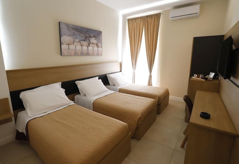 Victoria Hotel B&B, Naples, Triple Room, Guest Room