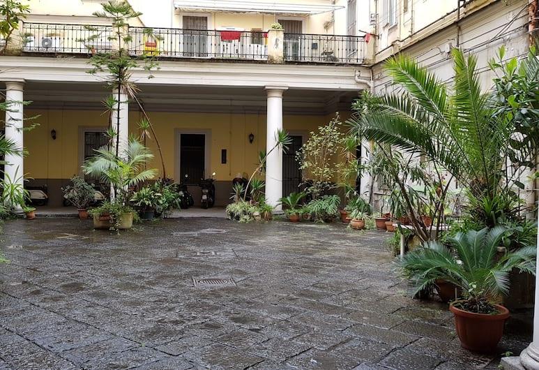 中央之家酒店, 那不勒斯, 庭園