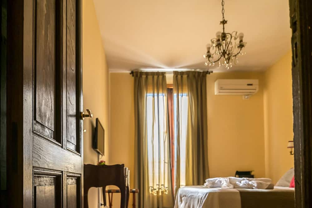 Standard Double Room, 1 Double Bed, Private Bathroom - Guest Room