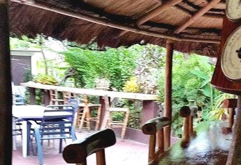 Bahay Isla Inn - Hostel Puerto Galera , Puerto Galera, Hotel Bar