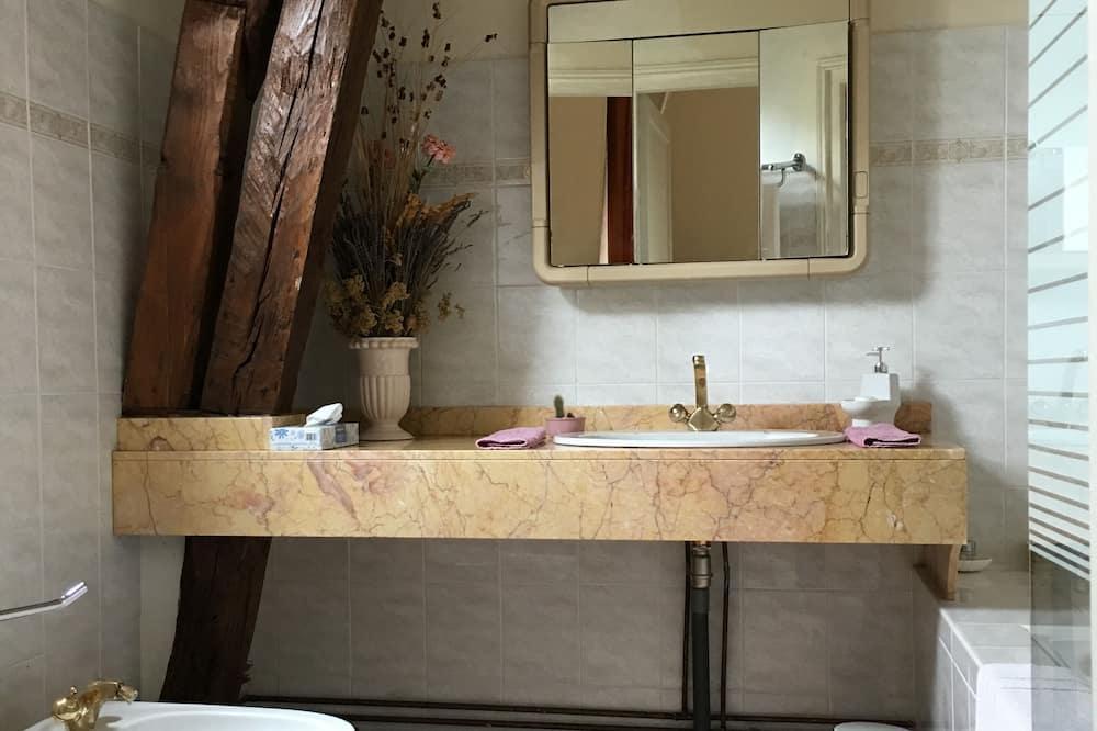 Directory Double Room - Bathroom