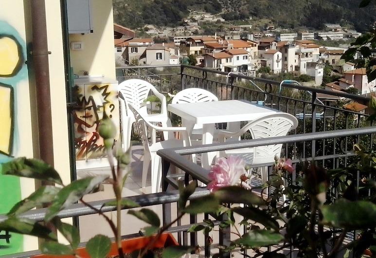ليربا ديجلي أبريغي, Ventimiglia, شقة - غرفتا نوم, تِراس/ فناء مرصوف