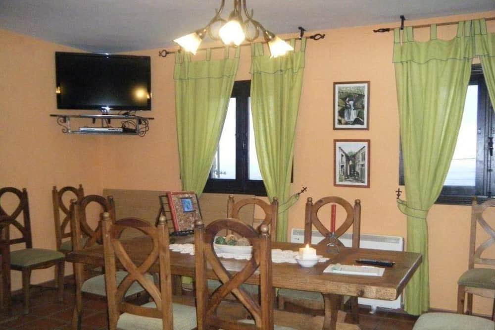 Maison, 5 chambres - Restauration dans la chambre