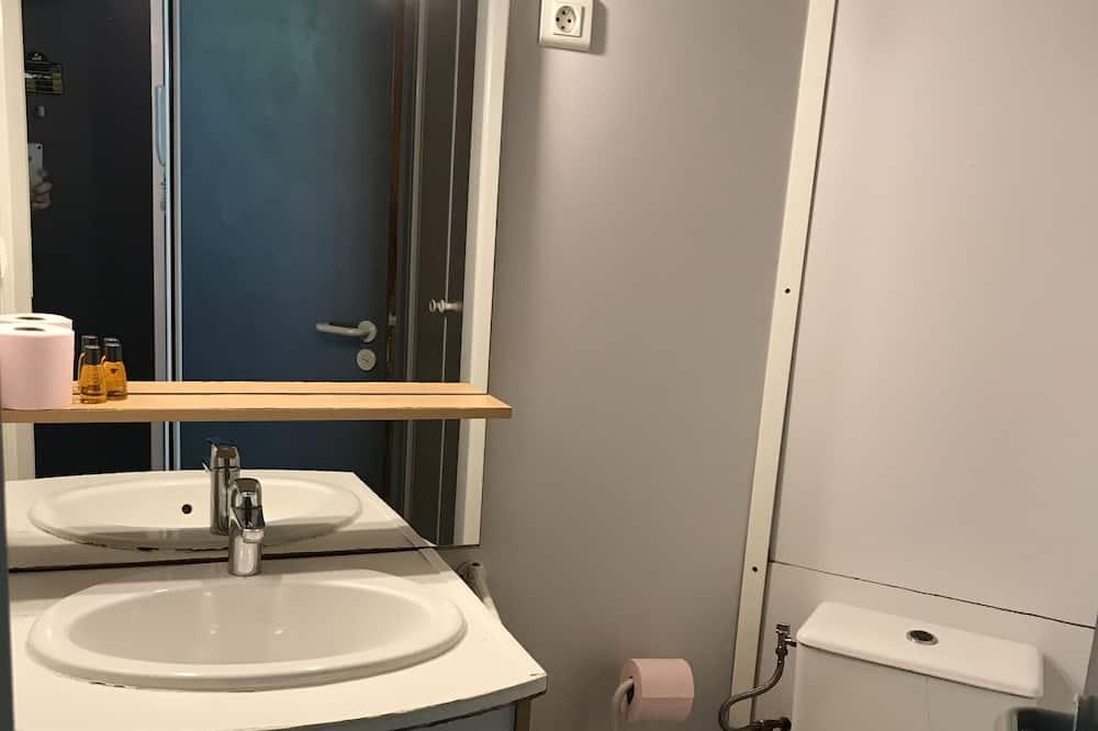 Basic Studio, 1 Bedroom - Bathroom