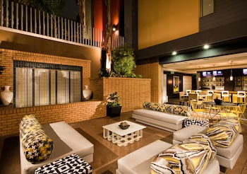 Picture of East West Comfort: Hollywood Walk of Fame Apartments  in Los Angeles