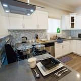 Τετράκλινο Δωμάτιο, Ιδιωτικό Μπάνιο - Κοινόχρηστη κουζίνα