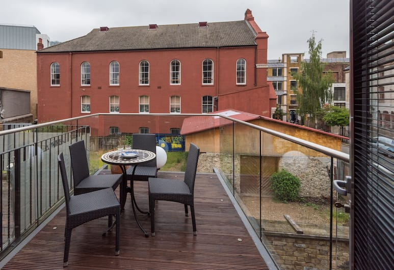 Divine Dalston Home near Shoreditch High Street, London, Apartment, 2 Bedrooms, Balcony