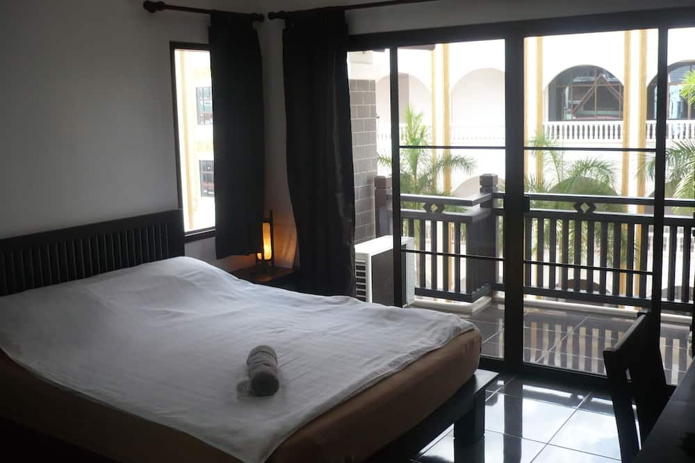 Superior Double Room (Front Side) - Rum