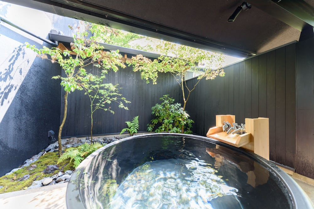 Traditional-Zimmer, eigenes Bad (Japanese Style,Half OpenAirBath(SUMI)) - Badezimmer