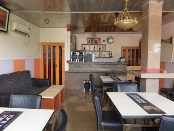 תמונה של Aneio Hotel באבוג'ה