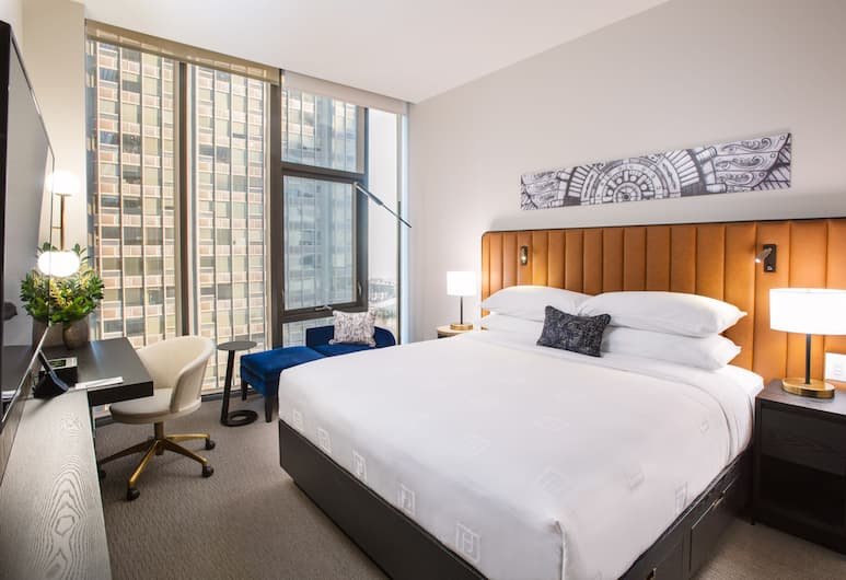 Hotel Julian, Chicago, Premium Single Room, 1 King Bed, Guest Room