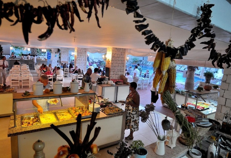 The Blue Lagoon Deluxe Hotel, Fethiye, Restaurant
