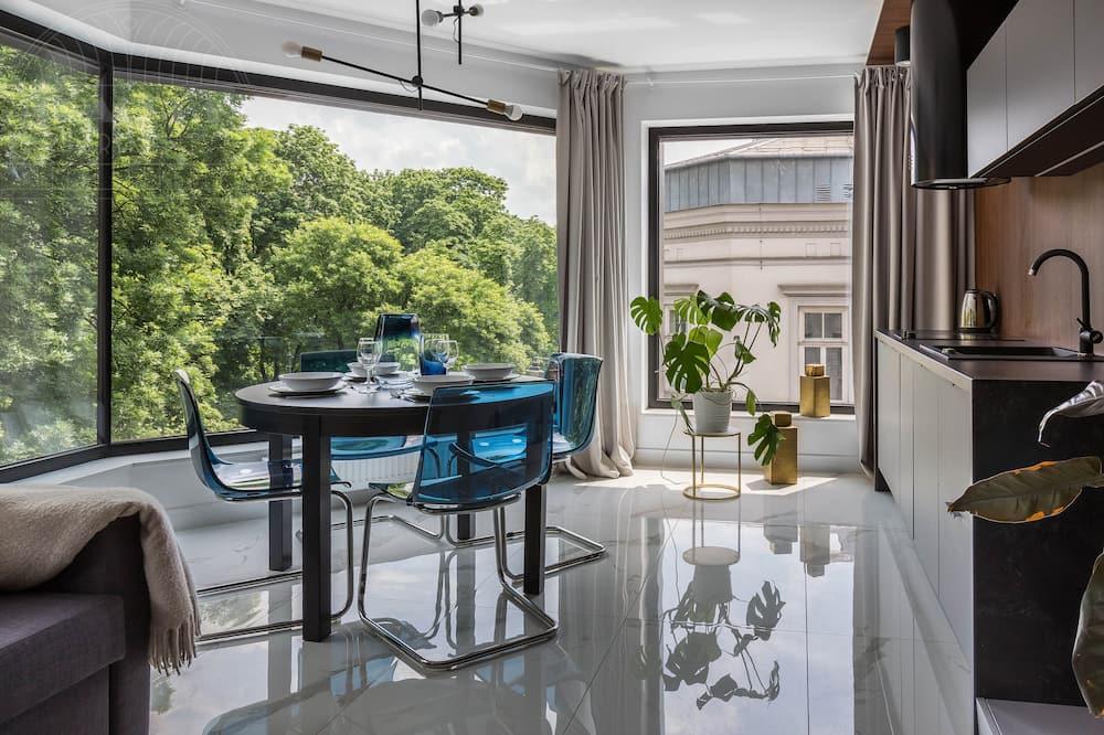 Premier Apartment, 1 Bedroom, Kitchen, City View - Ruang Tamu
