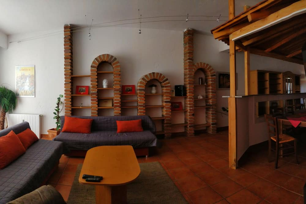 Kooperatīva tūristu mītne, trīs guļamistabas - Dzīvojamā zona