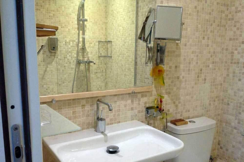 Classic Double Room, 1 Double Bed - Bathroom Sink