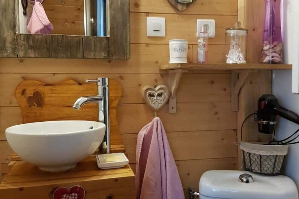 Room - Bathroom Sink