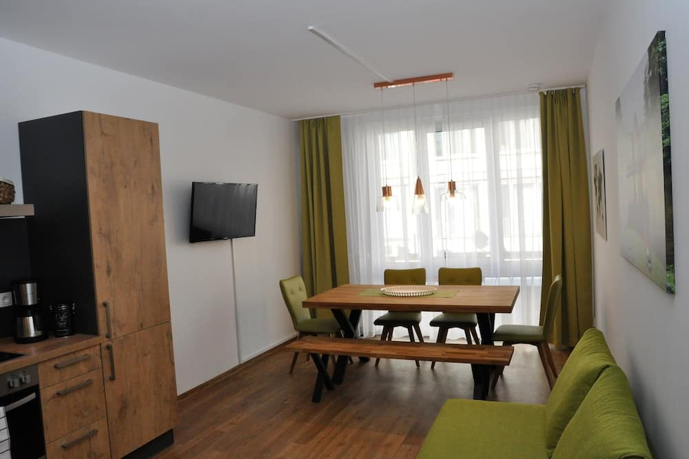 Deluxe Condo, 3 Bedrooms - Living Area