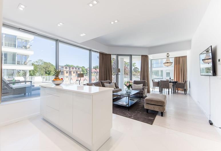 Dune Beach Resort, Mielno, Deluxe Apartment, 1 Bedroom, Courtyard View, Living Area