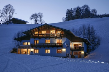 Picture of Saalbach Apartments Landhaus Bernkogel in Saalbach-Hinterglemm