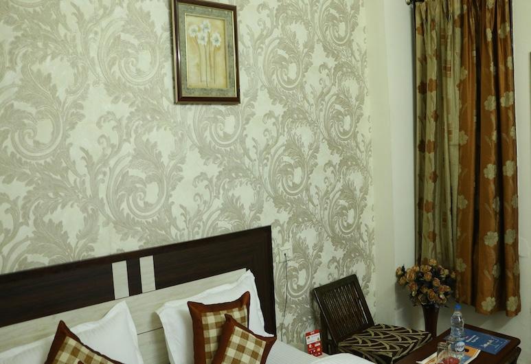 OYO 6851 Hotel Atithi, Ludhiana, Double or Twin Room, Guest Room