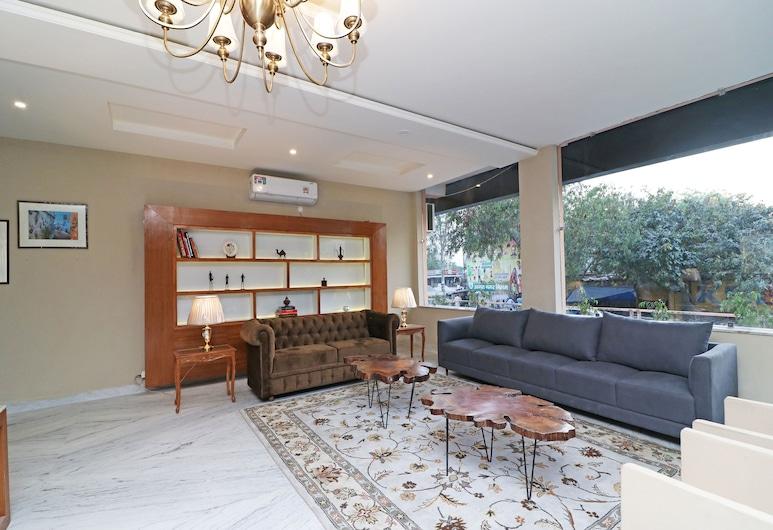 OYO 13035 Noosa Hotel, Agra, Lobby Sitting Area