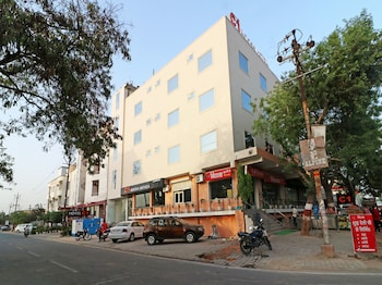 Picture of OYO 13035 Noosa Hotel in Agra