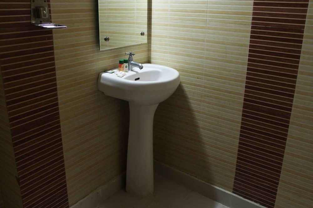 Double or Twin Room - Bathroom Sink