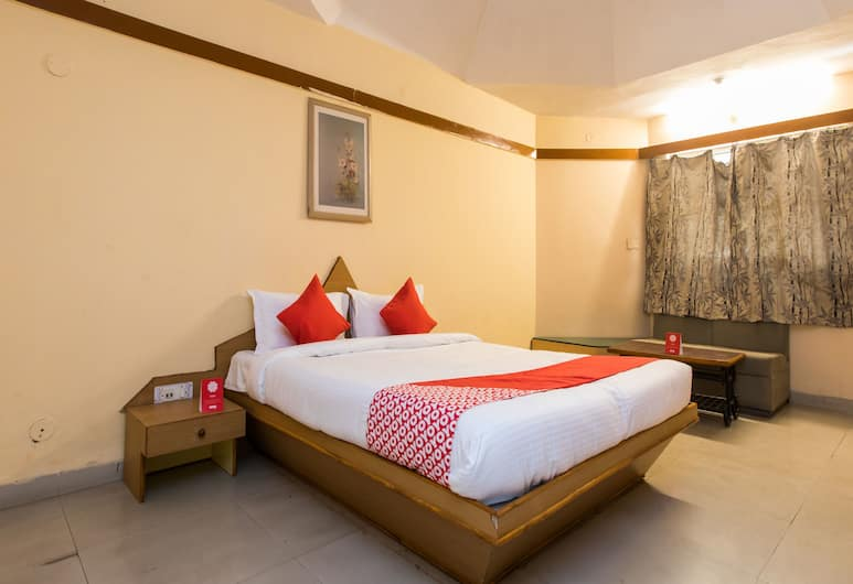 OYO 13496 Hotel Royal park, Indore, Double or Twin Room, Guest Room