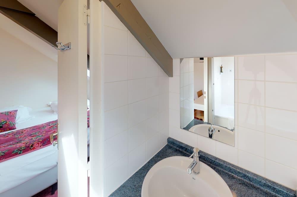 Double Room (Mansardée stair access only) - Bathroom Sink