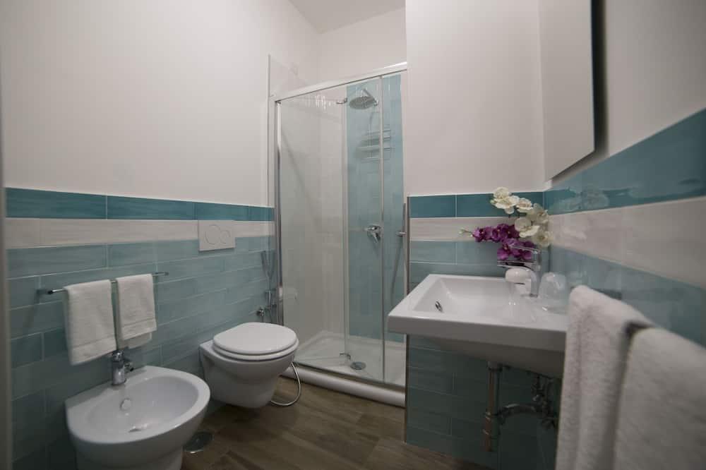 Номер «Комфорт», 1 двуспальная кровать «Квин-сайз», для людей с ограниченными возможностями - Ванная комната