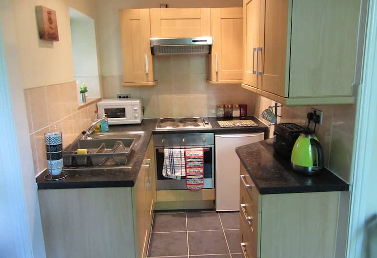 No 7, Liverpool, City Apartment, 1 Bedroom, Non Smoking, Private kitchen