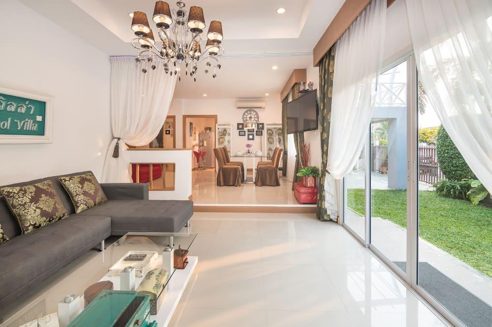 Exclusive Villa, 3 Bedrooms, Pool View - Living Room