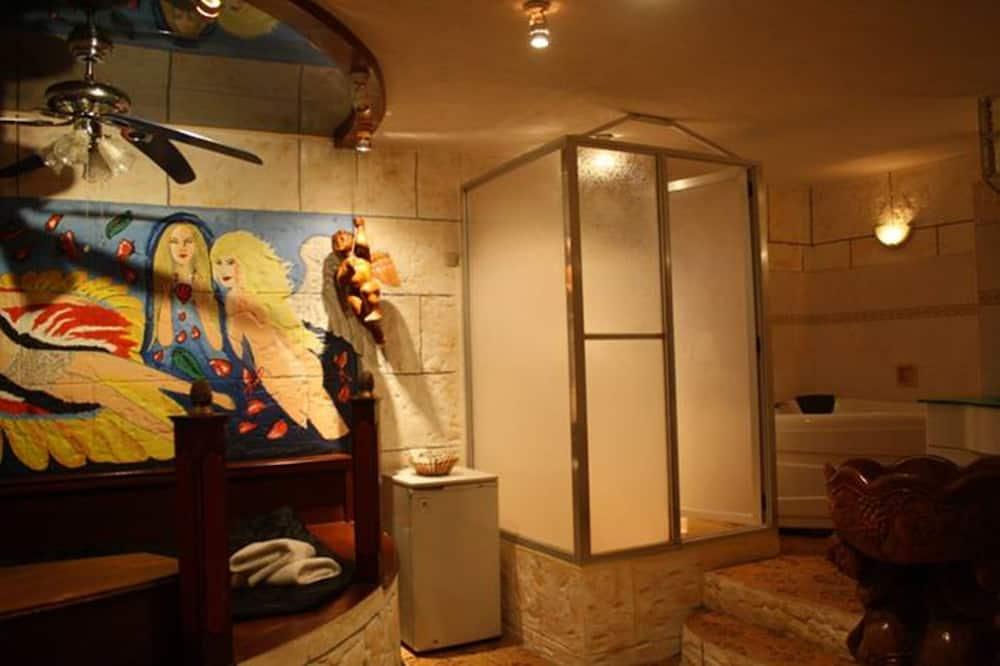 Deluxe Room, Beachfront - Bathroom