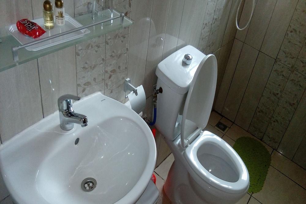 Estúdio Júnior - Casa de banho