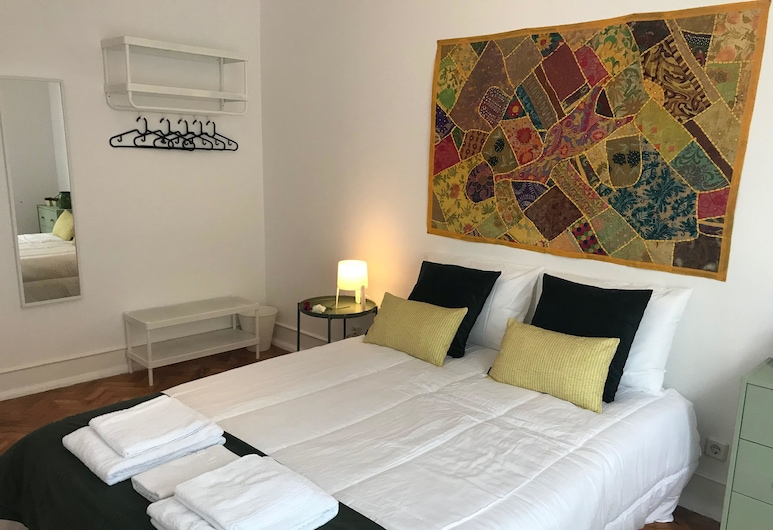 Good Time Airport in Lisbon, Lisbon, Classic Double Room, Shared Bathroom, Guest Room