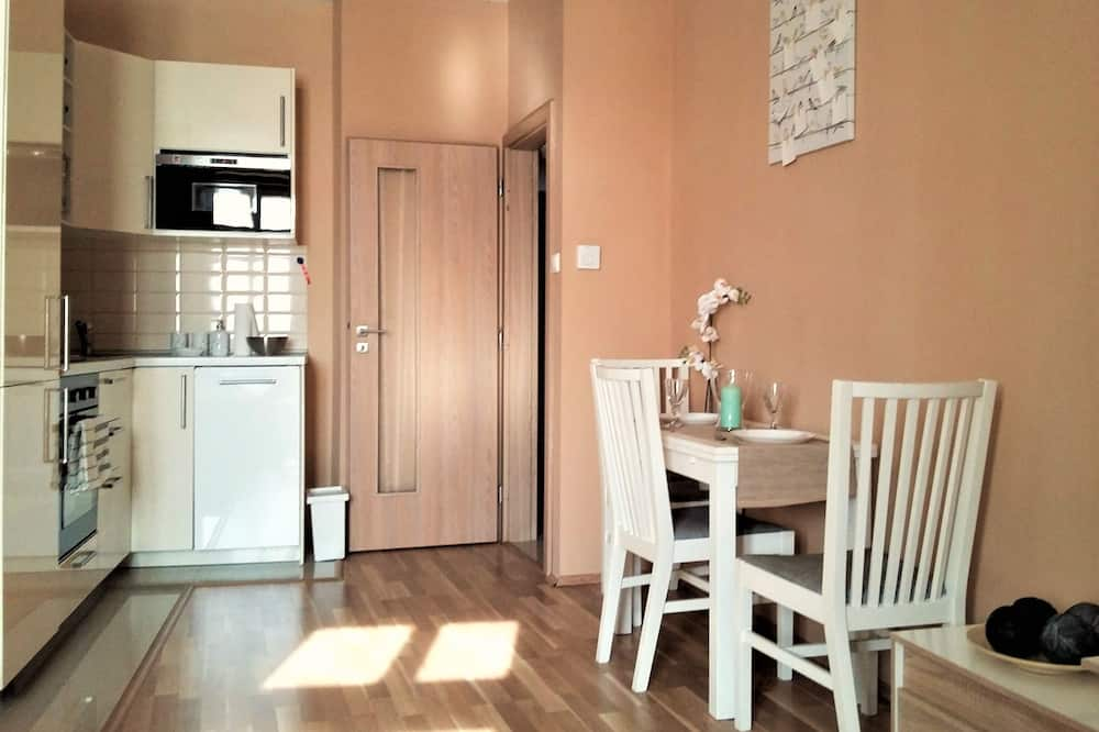 Departamento, 1 habitación, vista a la ciudad - Servicio de comidas en la habitación
