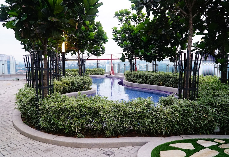 Homestay In The Heart of Kuala Lumpur @ The Robertson KL, Kuala Lumpur, Rooftop Pool