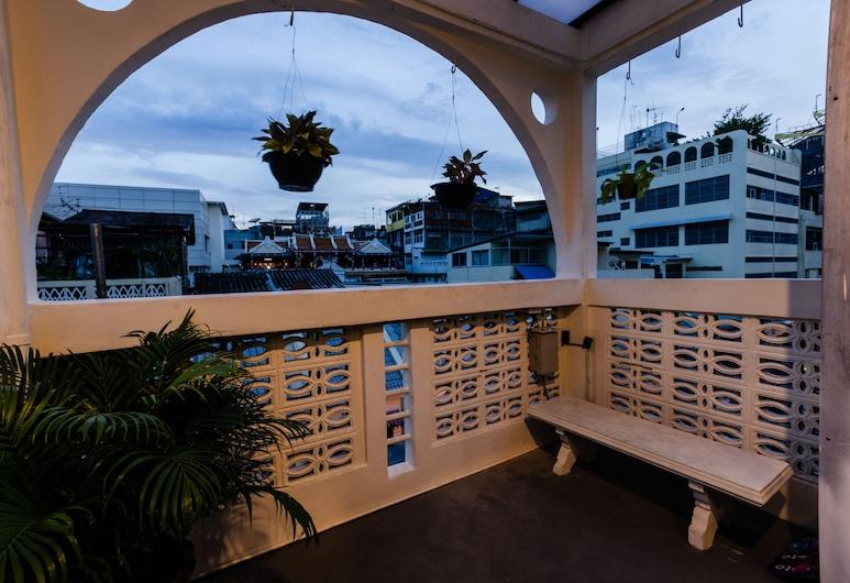 Tian Tian Hostel, Bangkok, Superior Twin Room, Balcony